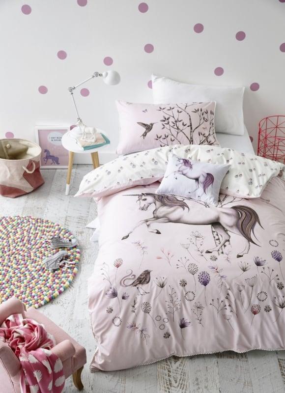 Ideia para decorar o quarto com tema de unicórnio
