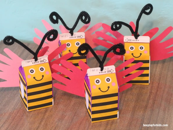 brinquedo com caixa de leite abelhas
