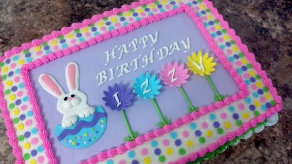 Bolo Mesversário Páscoa decorado com chantilly colorido30