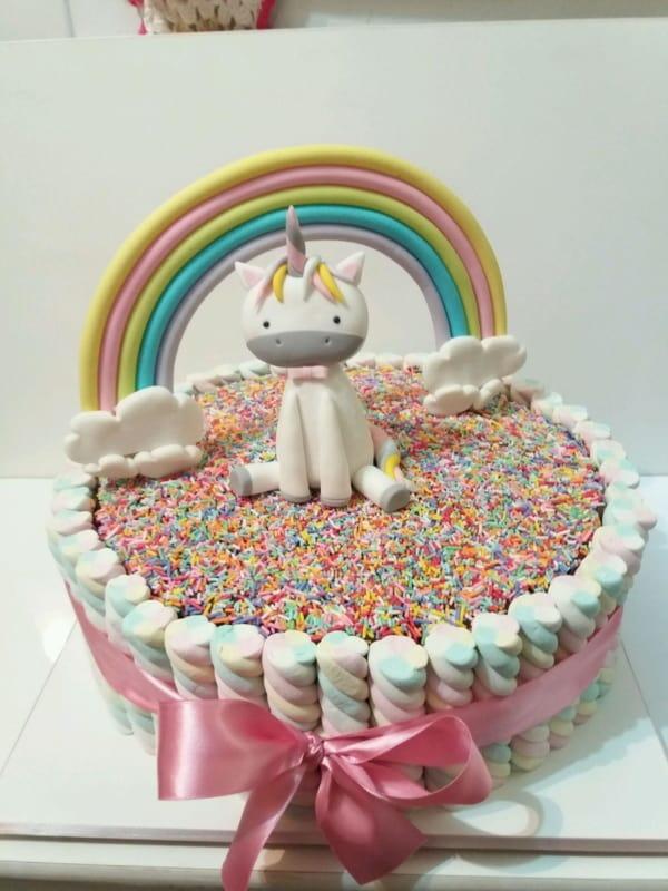Bolo Mesversário doce unicornio