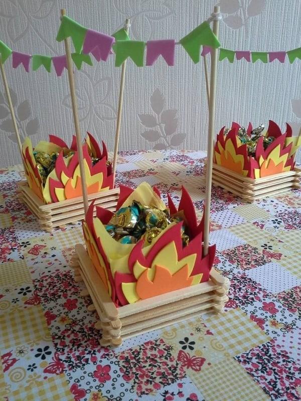 Lembrancinhas para Festa junina infantil fogueira de doces