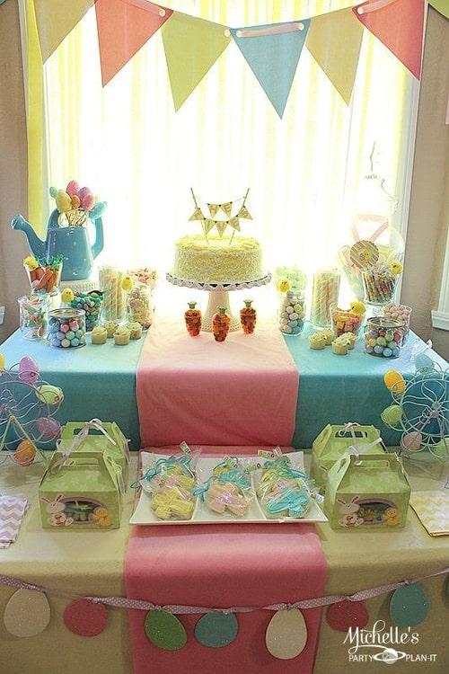 Mesversário Páscoa decoração com bandeirinhas10