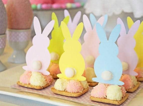 Mesversário Páscoa decoração com coelhinhos de papel7