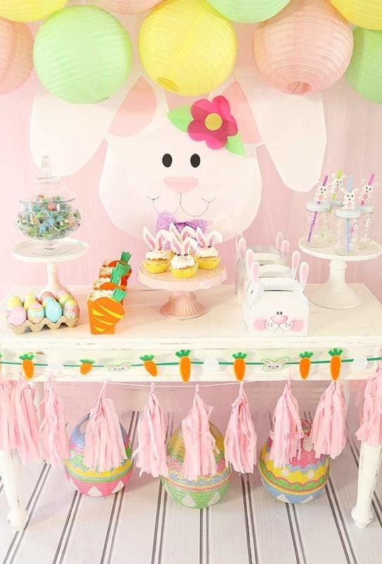 Mesversário Páscoa decoração com painel de coelhinha14