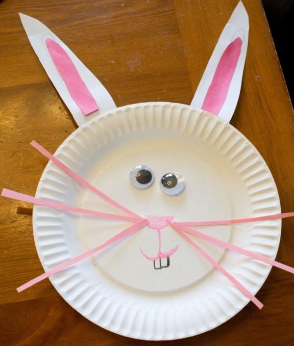 Pratinhos plásticos para criar lembrancinhas de Páscoa para escola