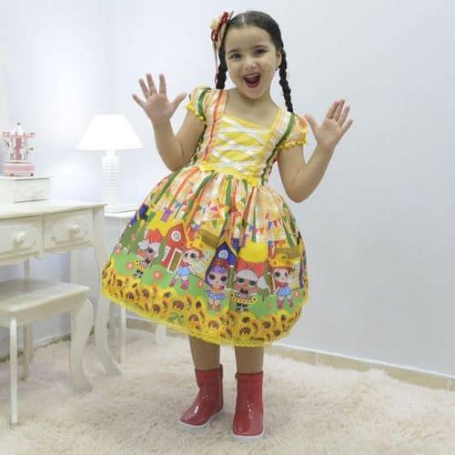 Roupas de festa junina infantil para as meninas
