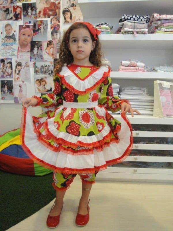 Roupas de festa junina infantil simples para meninas