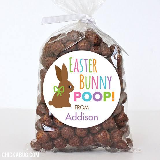 Saquinho com chocolates para lembrancinha de Páscoa para professores35