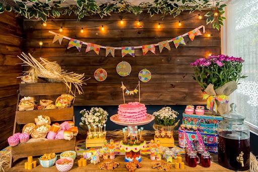 mesa de Festa Junina Infantil