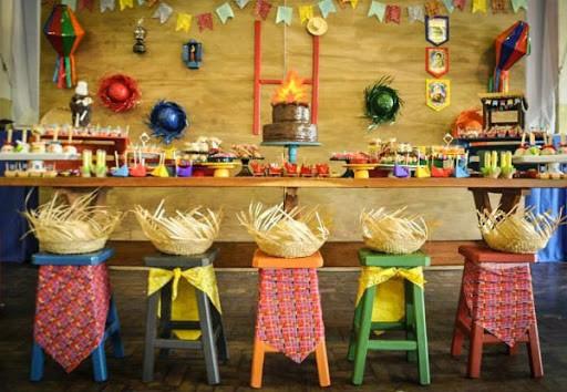 mesa para Festa Junina Infantil
