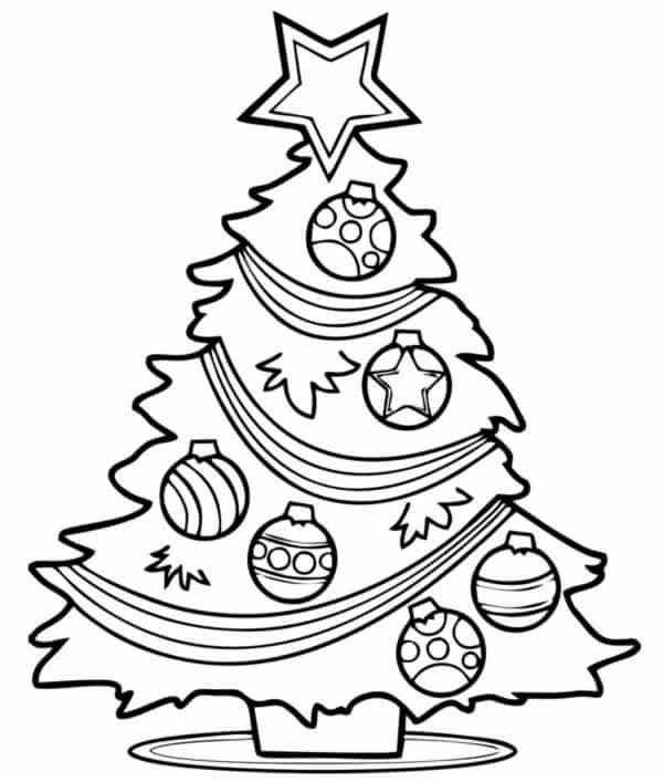 Árvores de Natal com estrela no topo e bolas