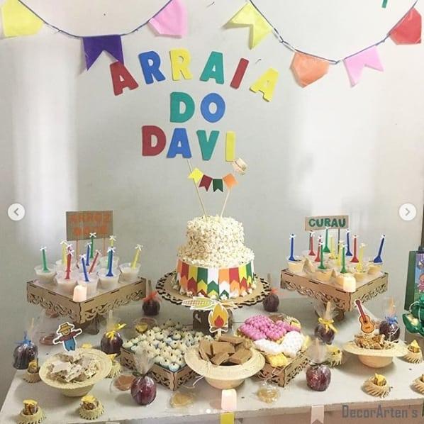 decoração de festa de mesversário em casa