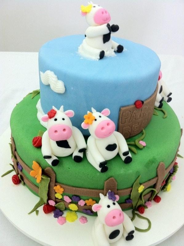 Bolo Fazendinha com vacas