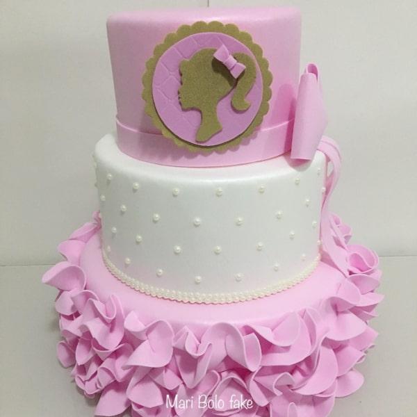 bolo da Barbie em EVA