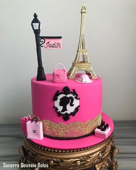 bolo de pasta americana da Barbie Paris