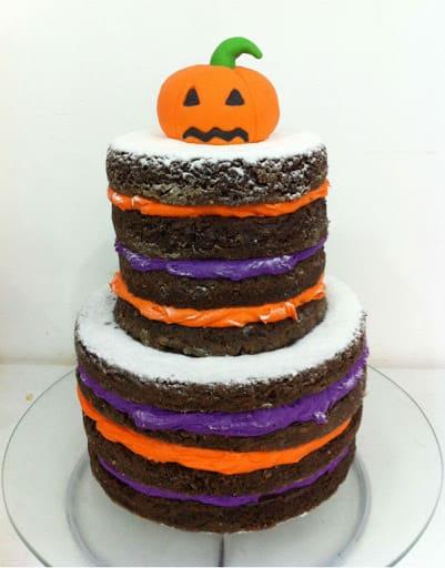 Bolo mesversário Halloween decorado