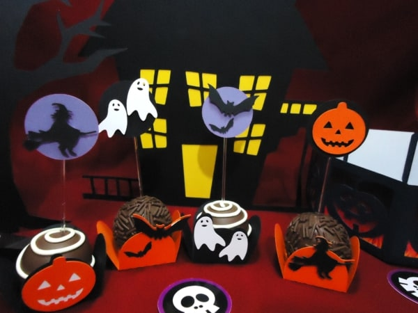 docinhos para fazer um mesversario Halloween