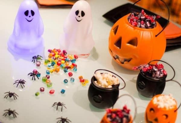 mesversario Halloween decor simples
