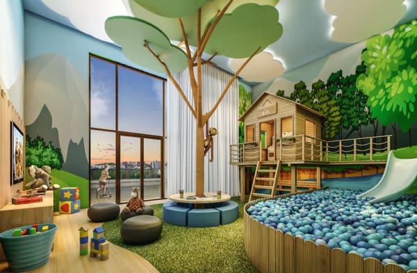 Grande piscina de bolinhas e casinha de madeira