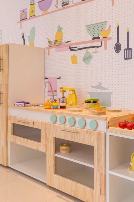 Cozinha educativa de madeira