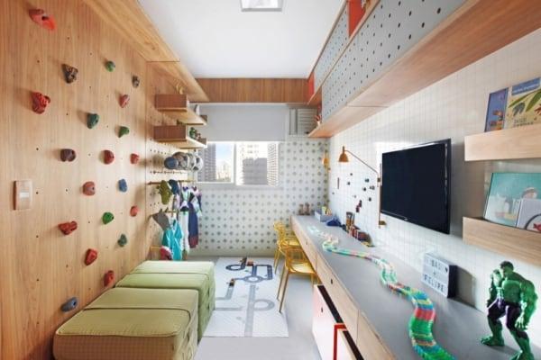 Modelo de brinquedoteca pequena com escalada na parede