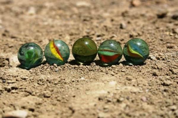 brinquedos indígenas bolinha de gude