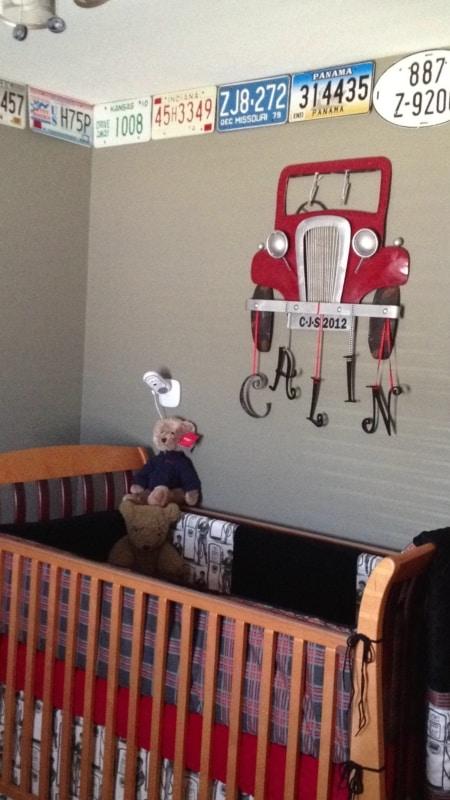 temas para quarto de bebê carros e placas