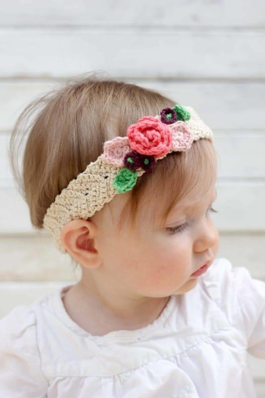 tiara com flores de crochê para bebê