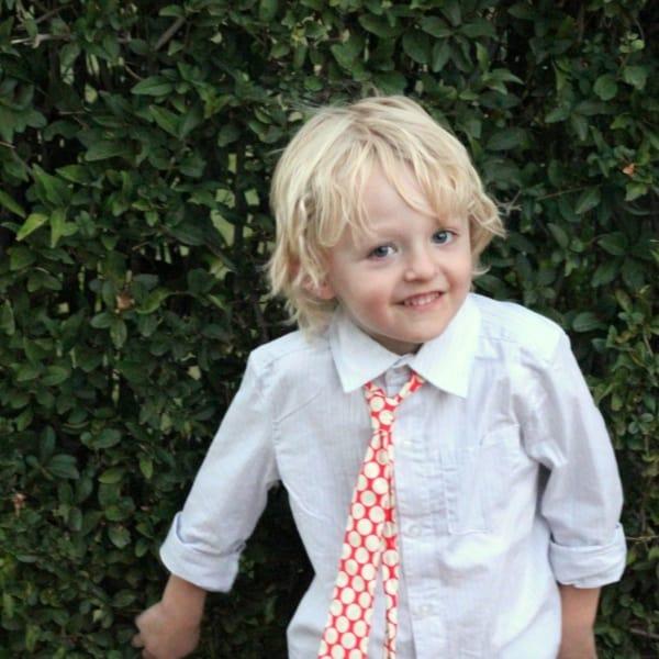 gravata infantil com camisa social branca