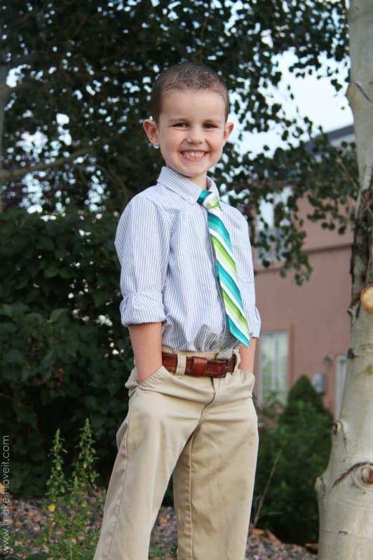 gravata infantil listrada com camisa xadrez