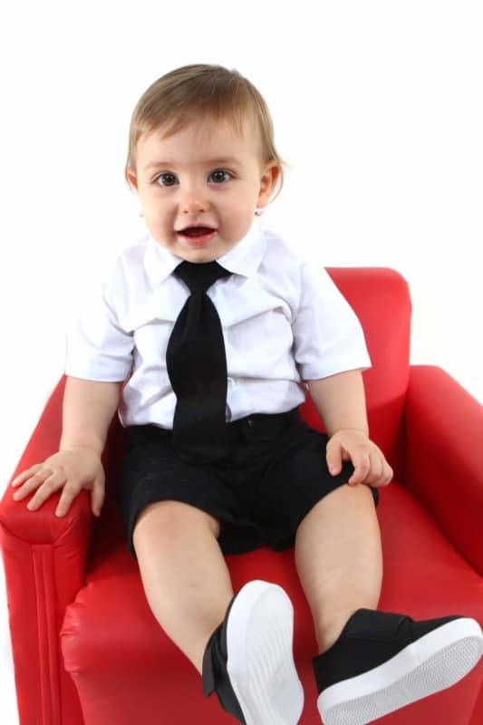 gravata infantil preta em bebê