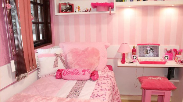 quarto infantil decorado com tematica da Barbie