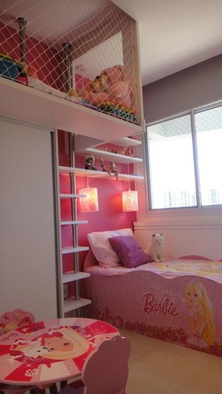 quarto rosa com moveis da Barbie