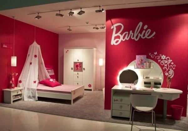 quarto pink e branco com decoracao da Barbie