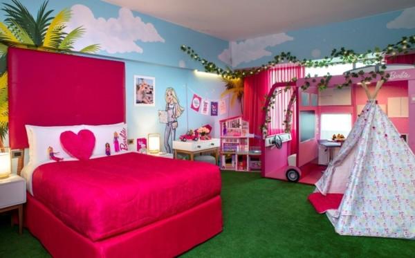 quarto da Barbie com cama pink