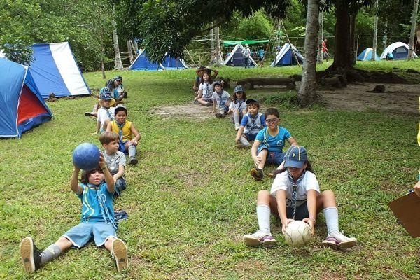 beneficios acampamento de ferias