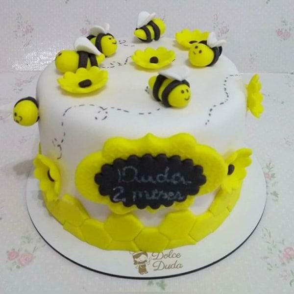 bolo de abelhinha para mesversario