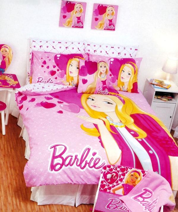 quarto infantil com edredom da Barbie