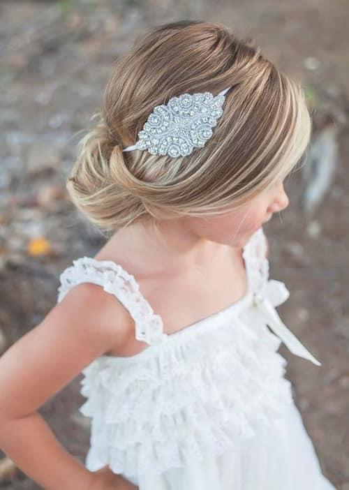 penteado infantil para cabelo liso com tiara