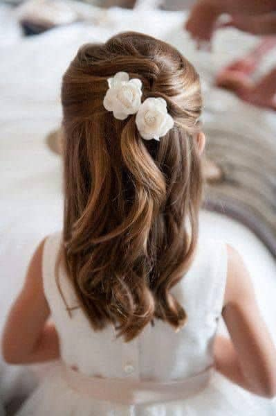 penteado de casamento semi preso para cabelo infantil