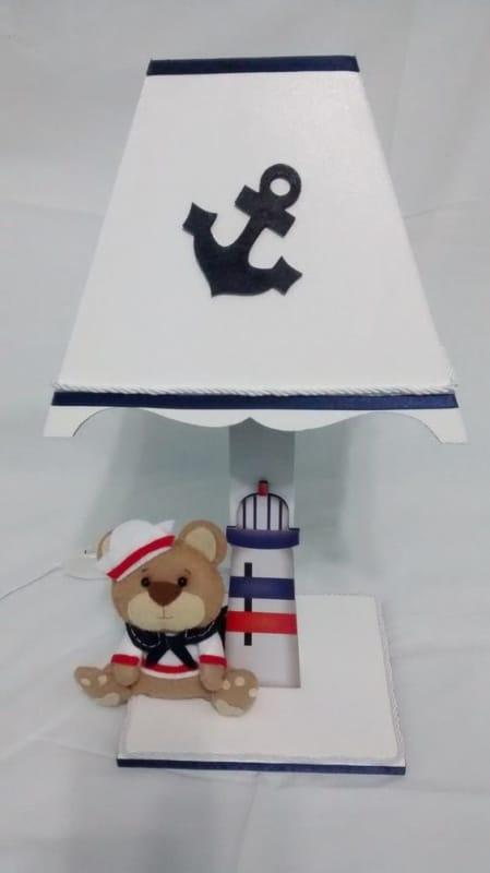 abajur de MDF para quarto de bebe decorado com tema de marinheiro