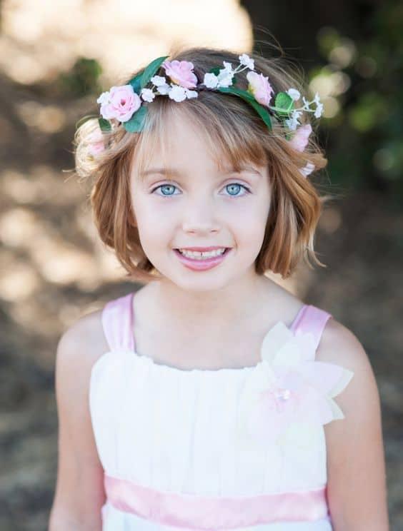penteado com tiara infantil para cabelo curto