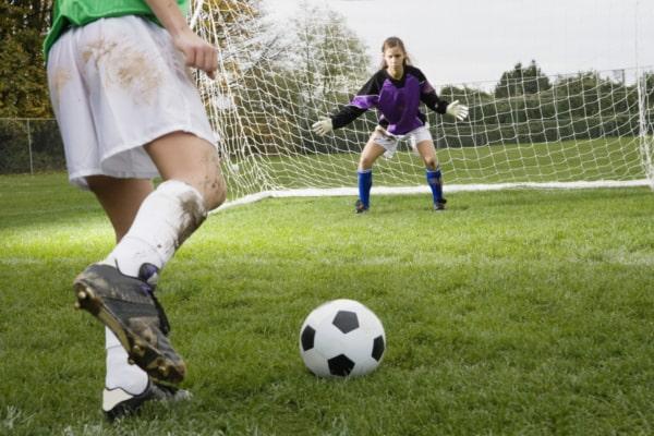 brincadeira com bola gol a gol