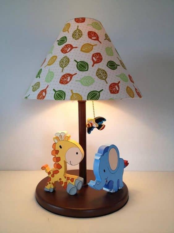 abajur para quarto de bebe com tema safari