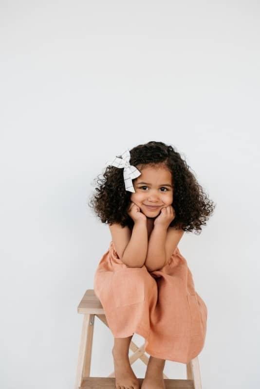 penteado simples infantil para cabelo cacheado