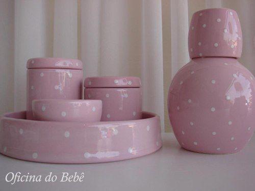 kit higiene rosa com bolinhas brancas