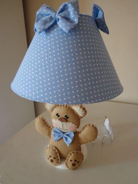 abajur de bebe decorado com tecido azul