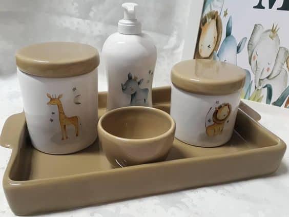 kit higiene de bebe com tema safari