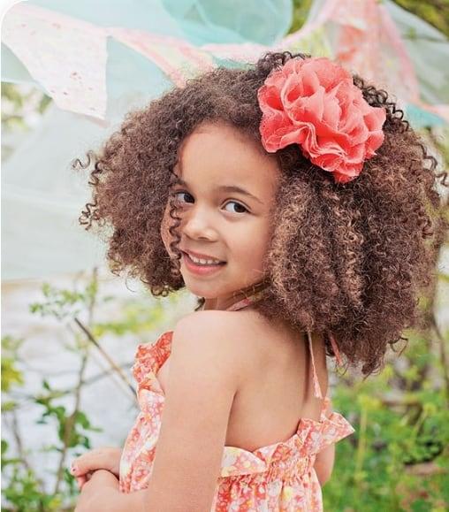 penteado infantil simples para cabelo crespo