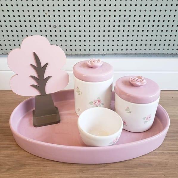 kit higiene branco e rosa com decoracao floral
